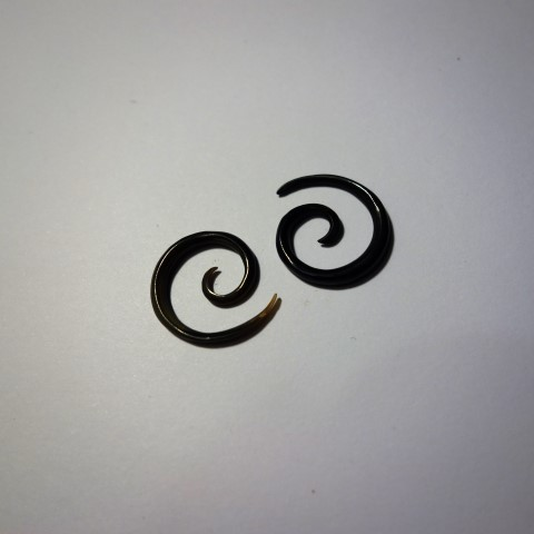 GD BlackBone Spiral Earings Small